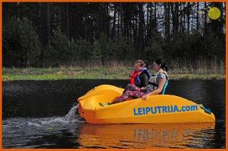 udensvelosipedi-pedal_boats-leiputrija-1