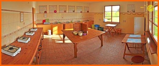 virtuve-camping-leiputrija-kitchen-kuche