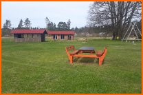 pikniku-vietas-galdi-leiputrija-nojumes-atputa-pie-dabas-1